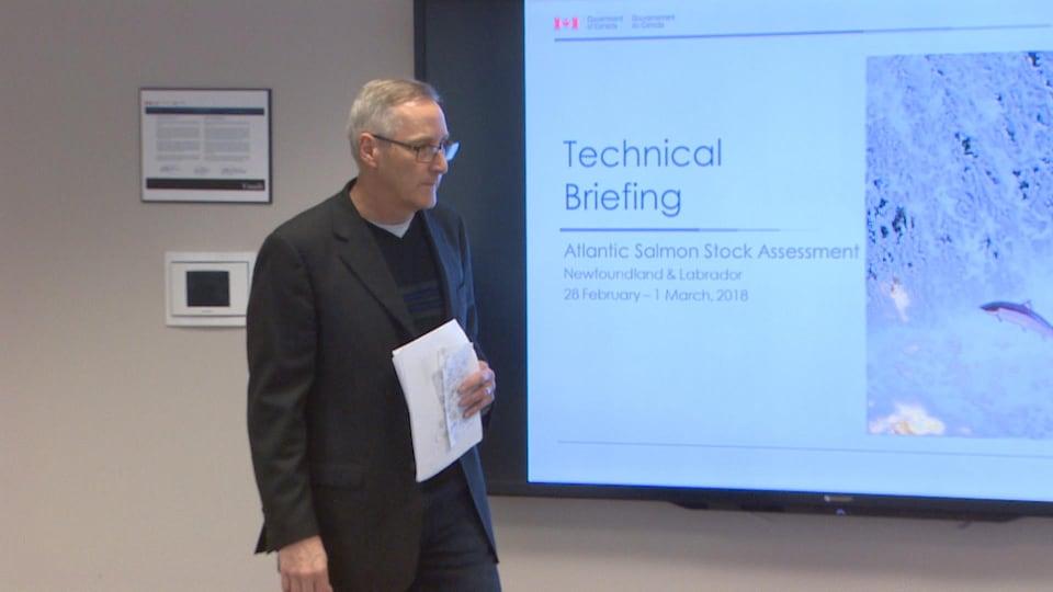 Geoff Veinott, du ministère des Pêches et des Océans, a présenté l'évaluation des stocks de saumon de l'Atlantique dans les eaux de Terre-Neuve-et-Labrador.