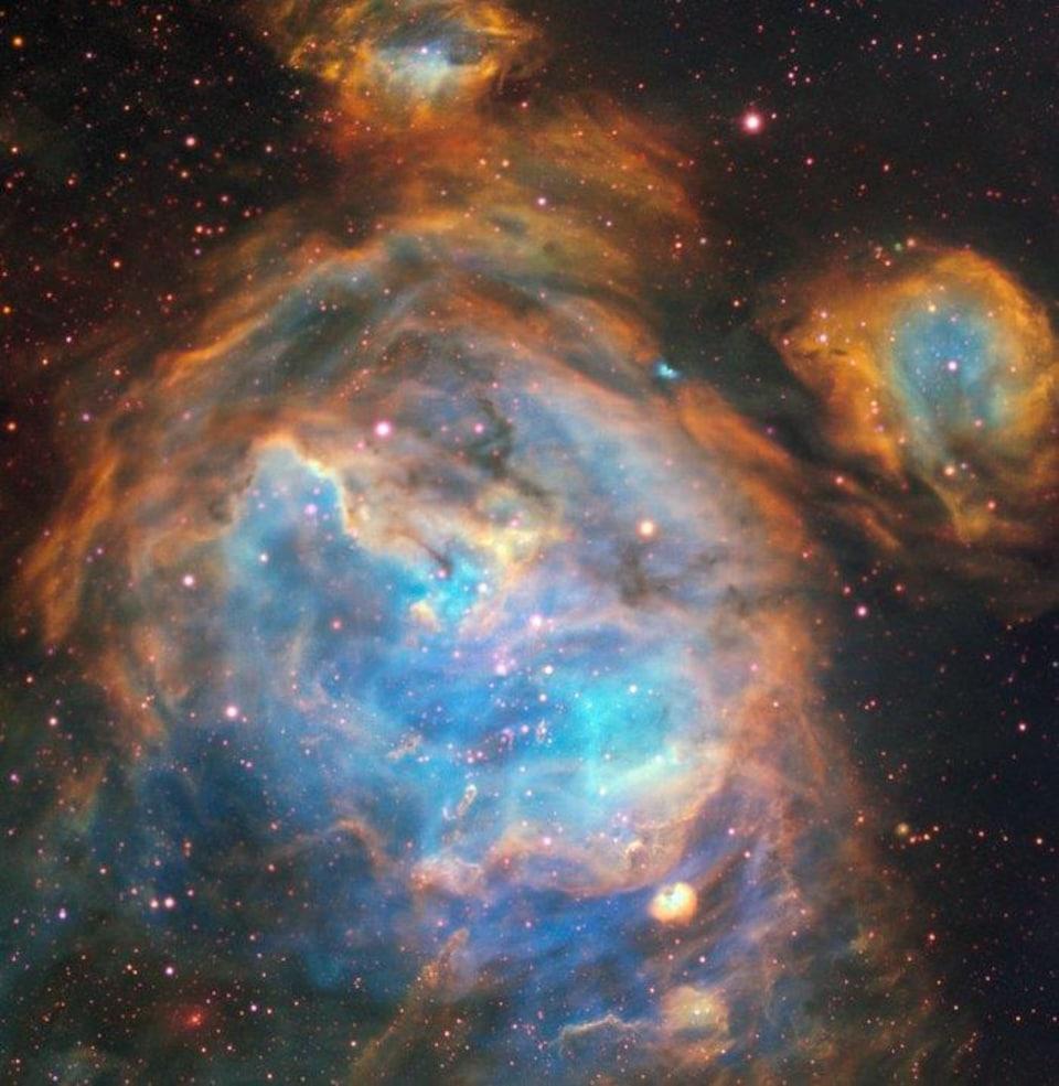 Région du Grand Nuage de Magellan peuplée d'étoiles nouvellement formées .