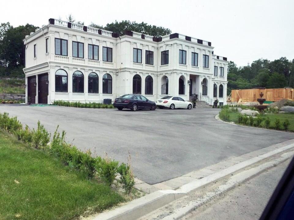 Une maison de luxe.