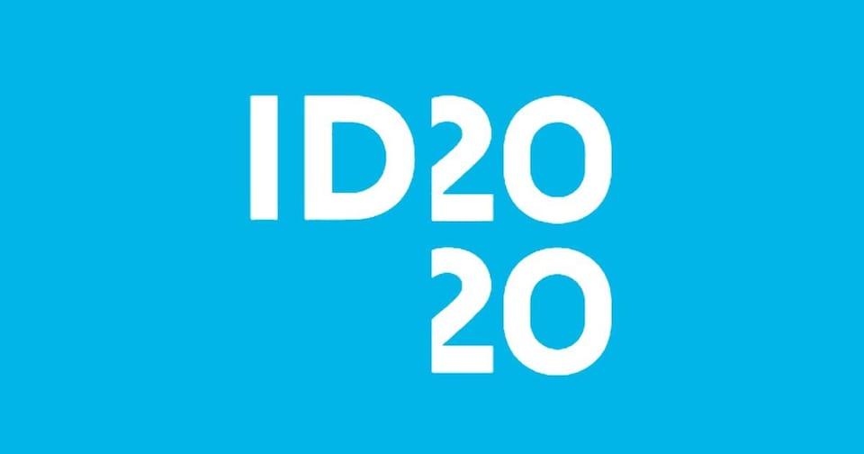 Le logo de l'initiative ID 2020. Il s'agit simplement de ces lettres et chiffres sur un fond bleu.