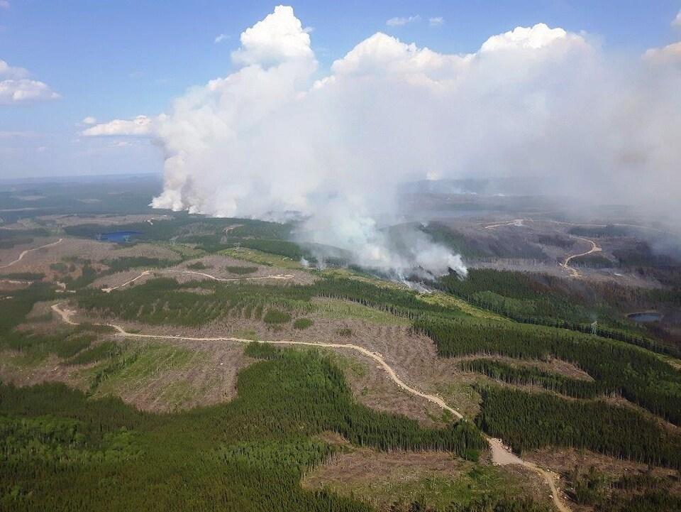 L'incendie de forêt à Labrieville