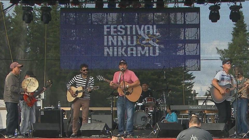 Les festival Innu Nikamu en 2014