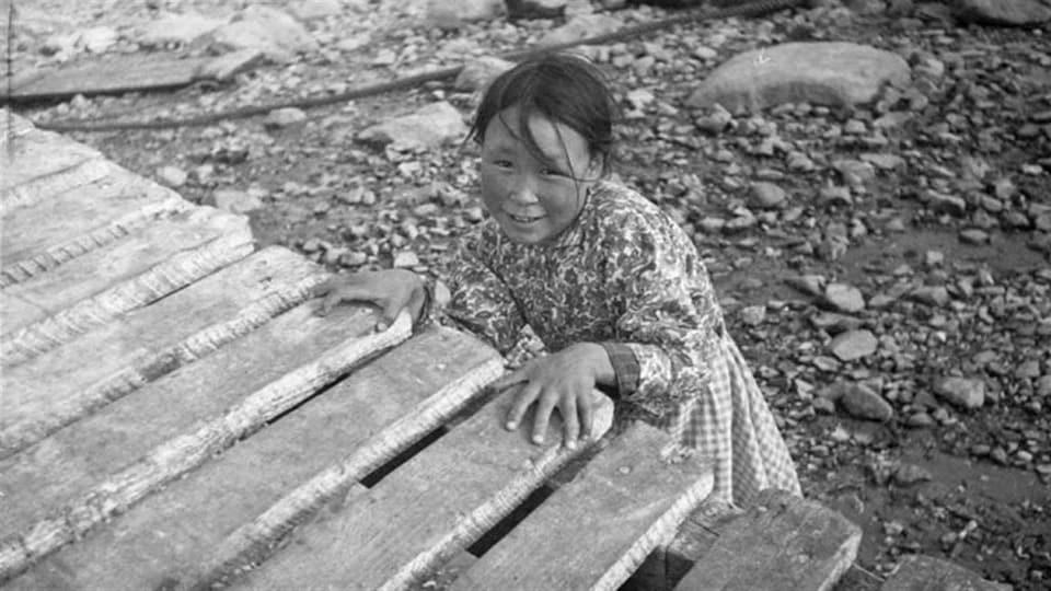 Maryann Tattuinee, Coral Harbour (?), Nunavut, vers 1945-1946