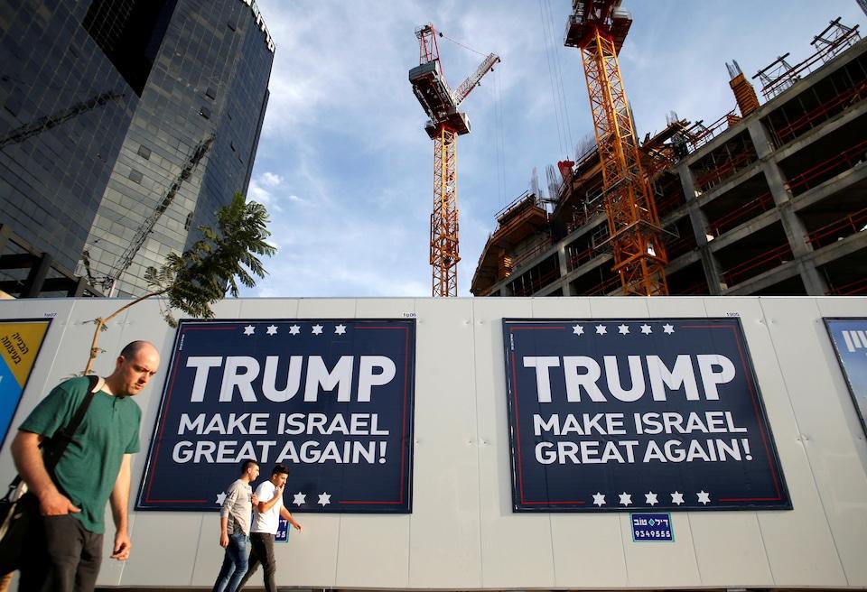 Cette annonce illustre l'attitude favorable du gouvernement israélien à l'élection de Donald Trump à la présidence des États-Unis..