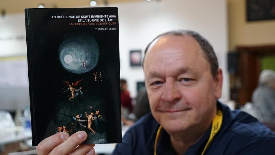 Jacques Morin présente son livre «L'expérience de mort imminente (EMI) et la survie de l'âme : un conflit entre scientifiques.