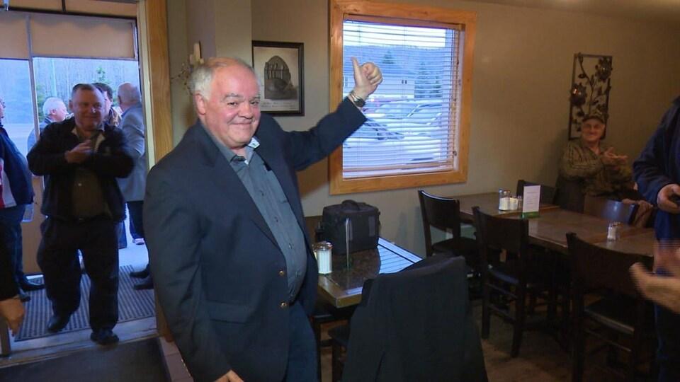 Le maire après son élection.