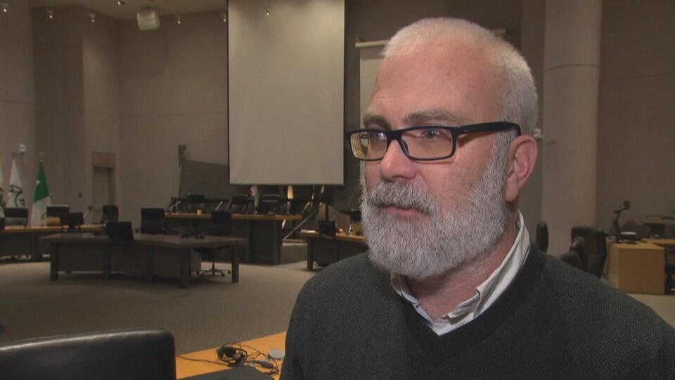 Jeff Leiper en entrevue à Radio-Canada.