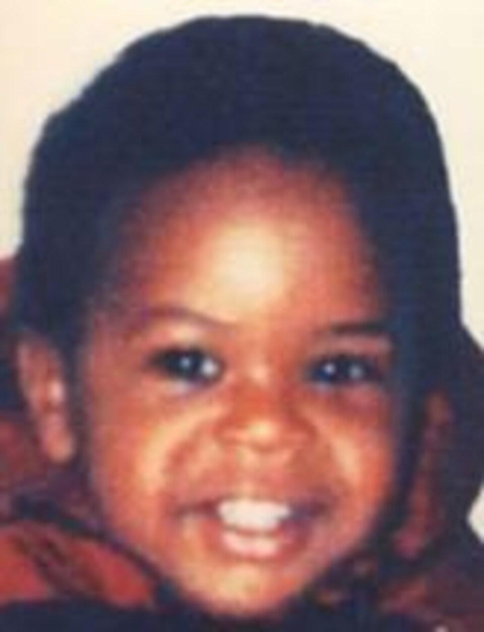 Photo du visage d'un bambin noir