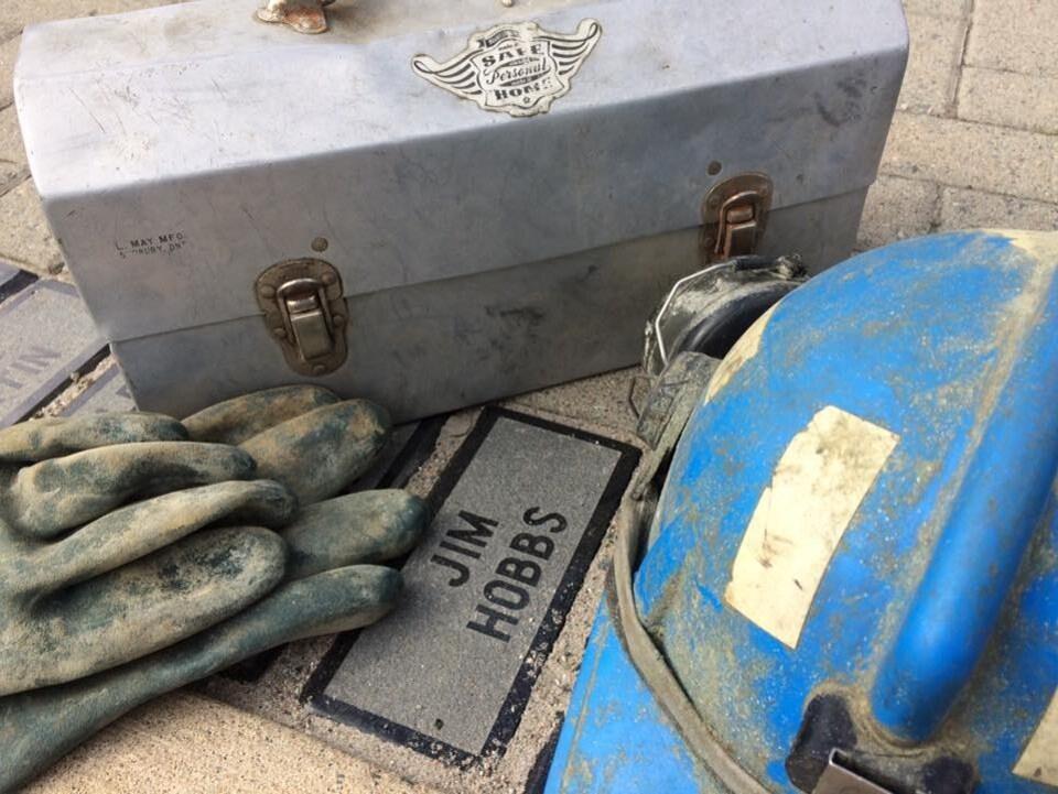 Les objets personnels de Jim Hobbs, le père de Janice Martell qui mène le projet McIntyre.