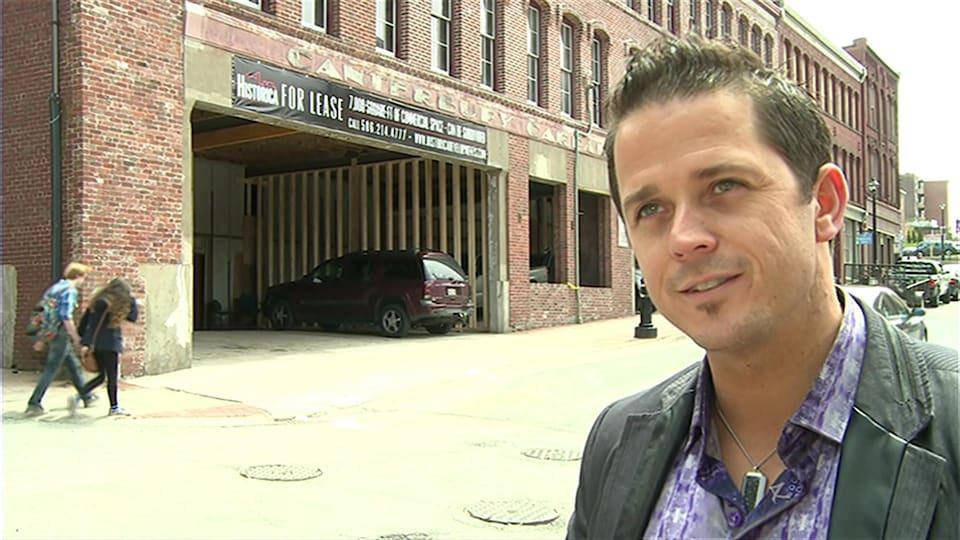 Keith Brideau est un entrepreneur de Saint-Jean qui a rénové des immeubles commerciaux du centre-ville ces dernières années. Il croit que tout le système d'imposition foncière du N.-B. doit être revu.
