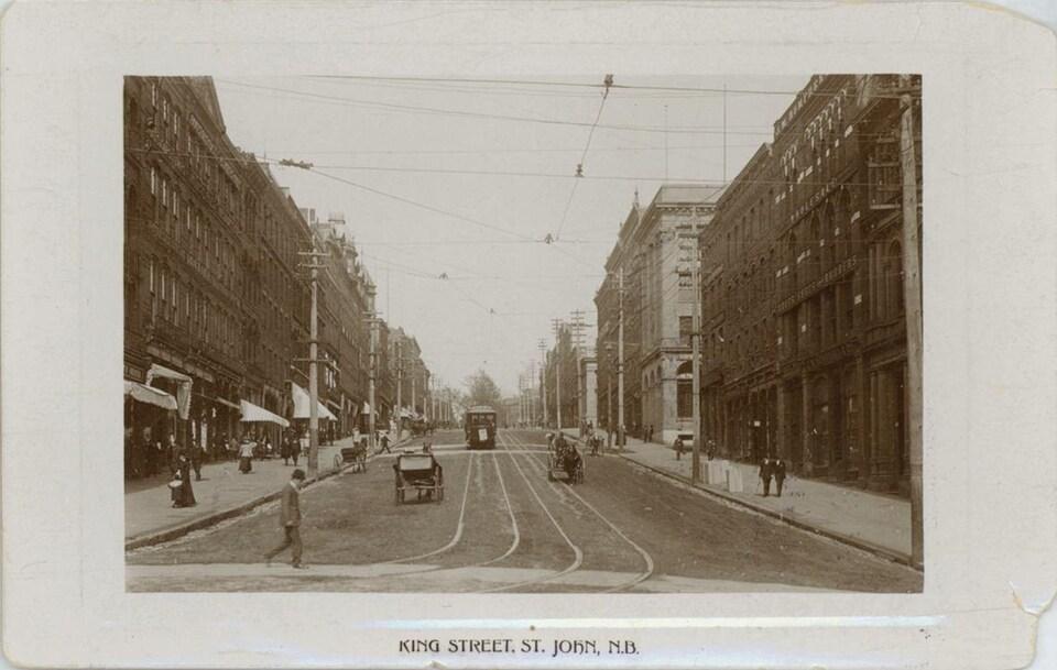 Les tramways de la ville de Saint-Jean au Nouveau-Brunswick ont dû être changés de voie en 1922.