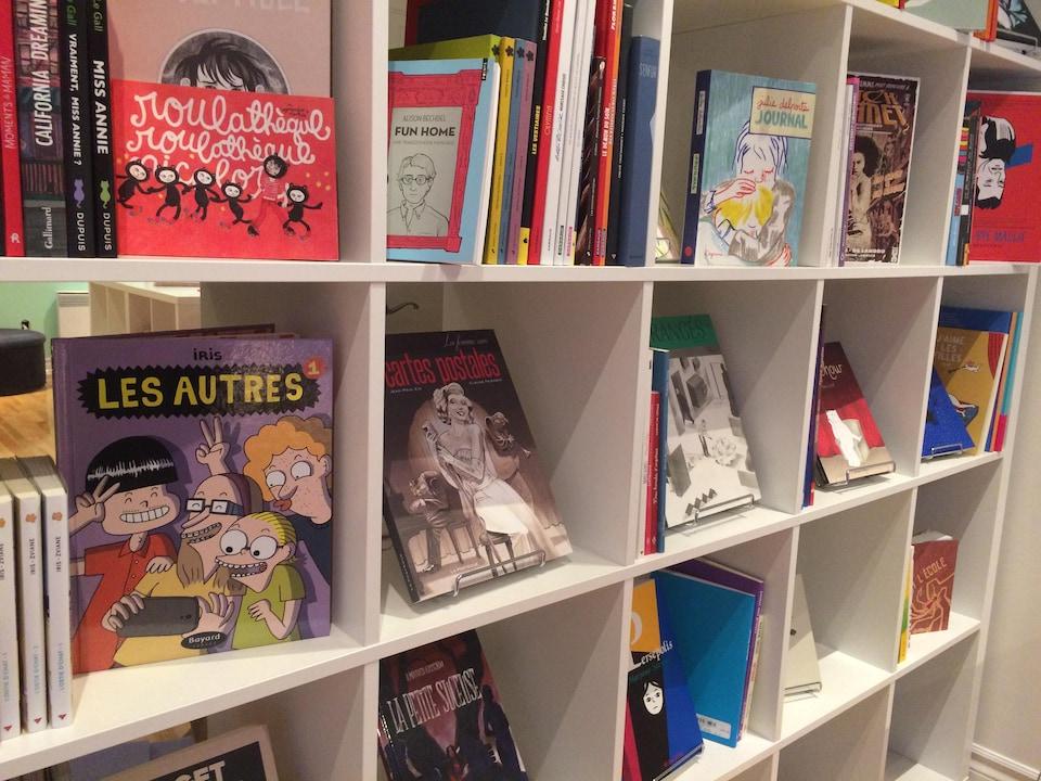 On trouve aussi des bandes dessinées à l'Euguélionne