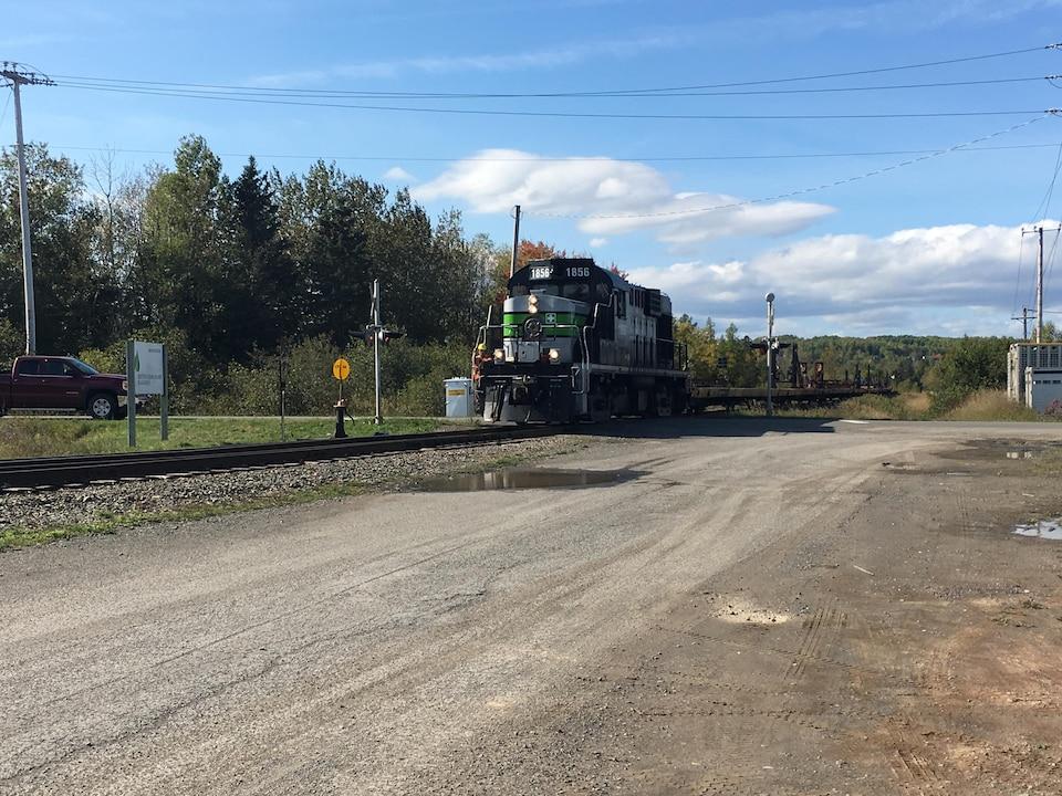 Un convoi ferroviaire en Gaspésie