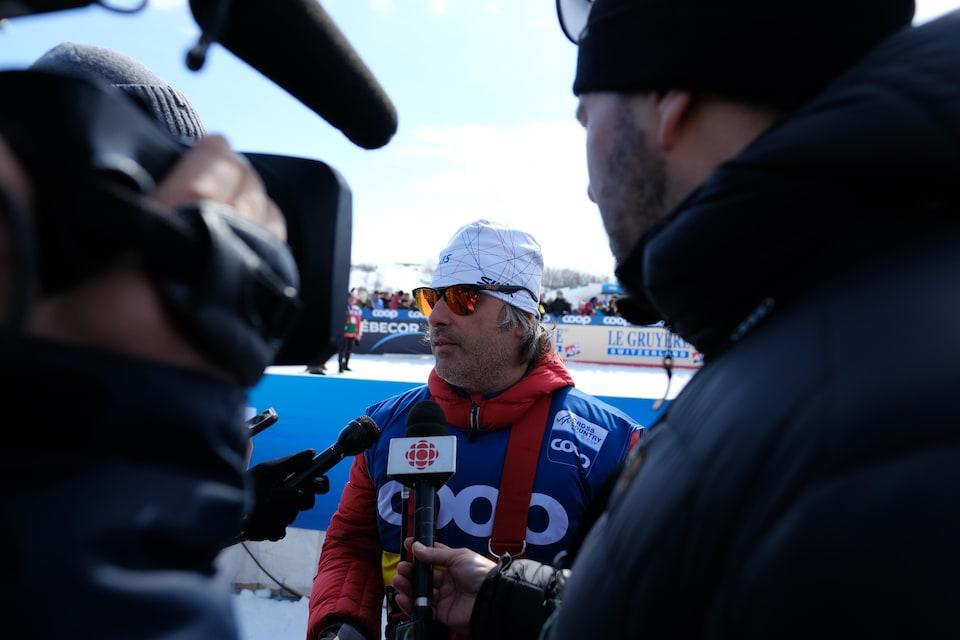 Louis Bouchard en entrevue après la course
