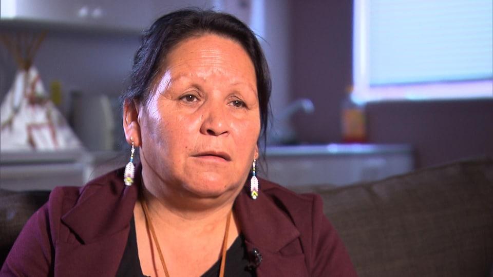 Louisa St-Onge, une intervenante à la Maison des femmes de Uashat, connaît la détresse, la peur et la honte que vivent les mères et les filles du secteur.