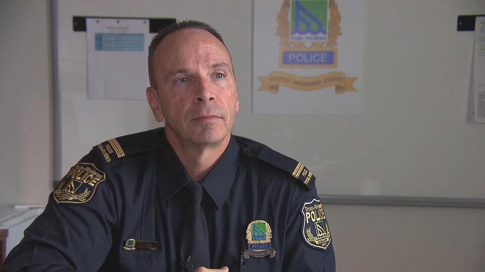 Luc Mongrain, responsable des relations publiques à la police de Trois-Rivières