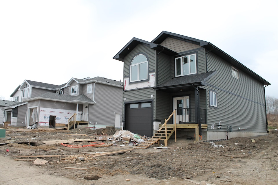 Une maison en construction à Fort McMurray.