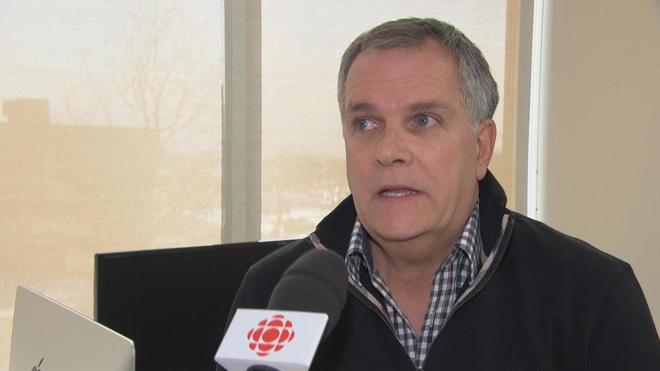 Gilles Brousseau, vice-doyen à l'enseignement de la médecine pour l'Université McGill en Outaouais