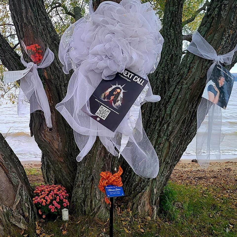 Un arbre dédié à Melanie Ethier.