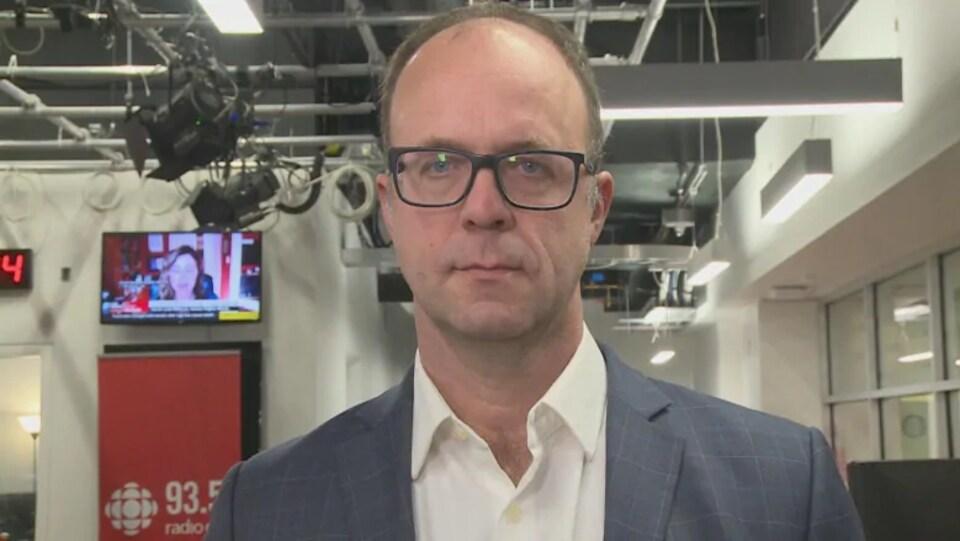Michael Haan lors d'une entrevue avec CBC.