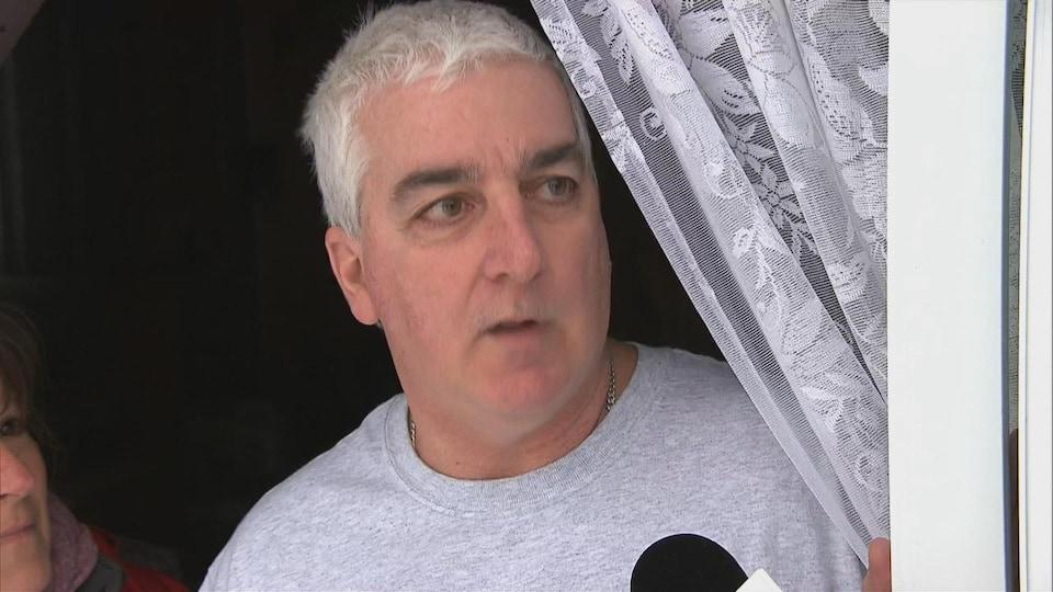 Michel Grenier est un ami proche des victimes du triple meurtre survenu au Centre-de-la-Mauricie.
