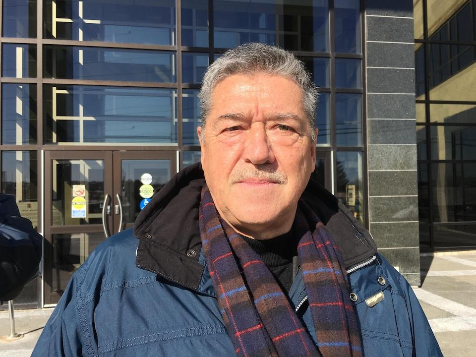 Portrait de Michel St-Pierre, avocat de Deloitte.
