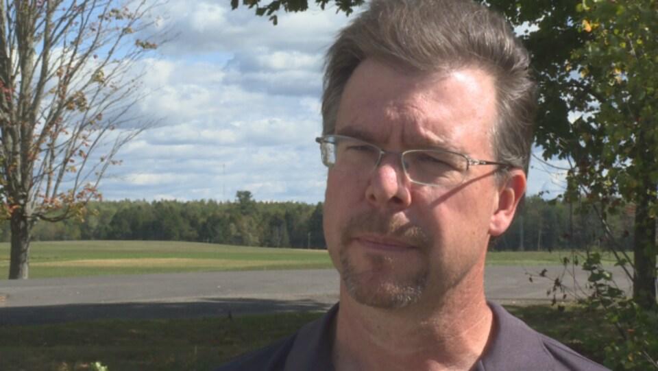 Mike Allan, coordonnateur provincial de la lutte contre la rage.