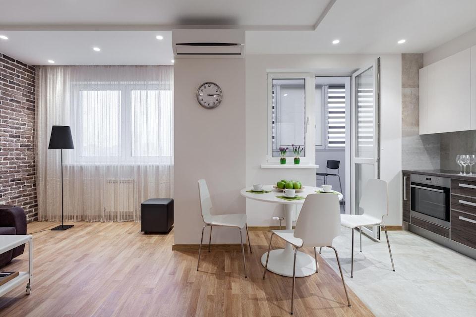 Cuisine et salon d'un appartement