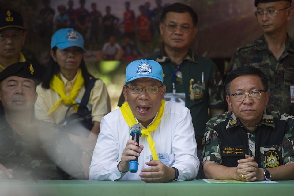 Le gouverneur par intérim de la province de Chiang Rai, Narongsak Osatanakorn.