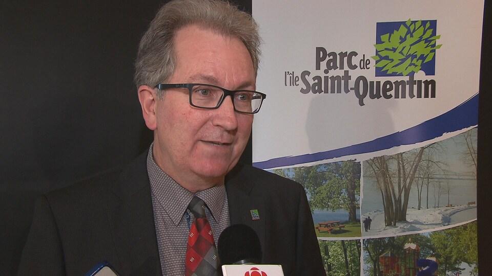 Capture d'écran du président de la Corporation pour le développement de l'île Saint-Quentin, André Noël