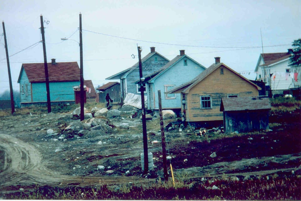 Des maisons colorées de la communauté d'Opitciwan, en Haute-Mauricie