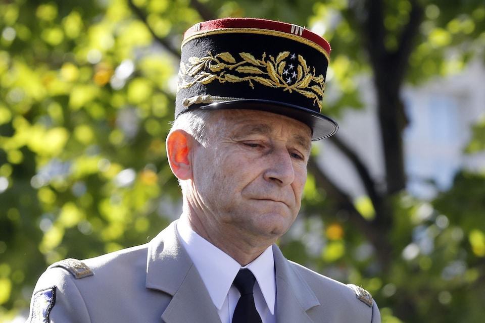 Le chef d'état-major des armées françaises, le général Pierre de Villiers, à son arrivée au défilé militaire annuel du 14 juillet, sur les Champs-Élysées, en 2017.