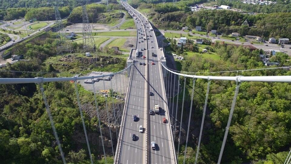 Lévis vue du pont Pierre-Laporte.