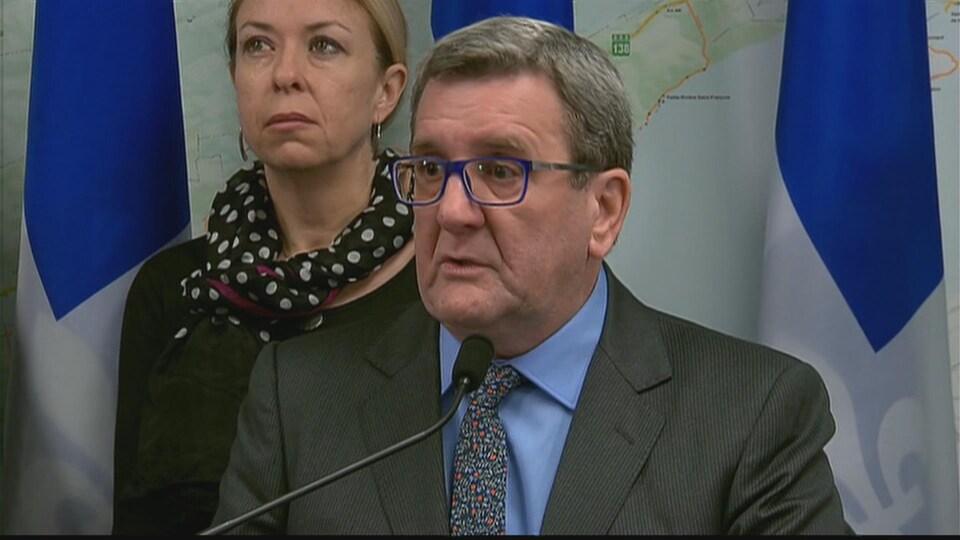 Le maire de Québec Régis Labeaume en point de presse