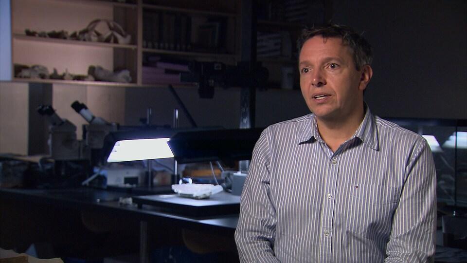 Le paléontologue Richard Cloutier, de l'UQAR
