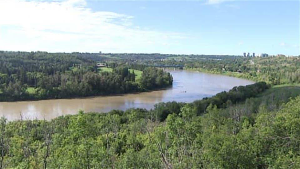 La rivière Saskatchewan Nord à Edmonton.