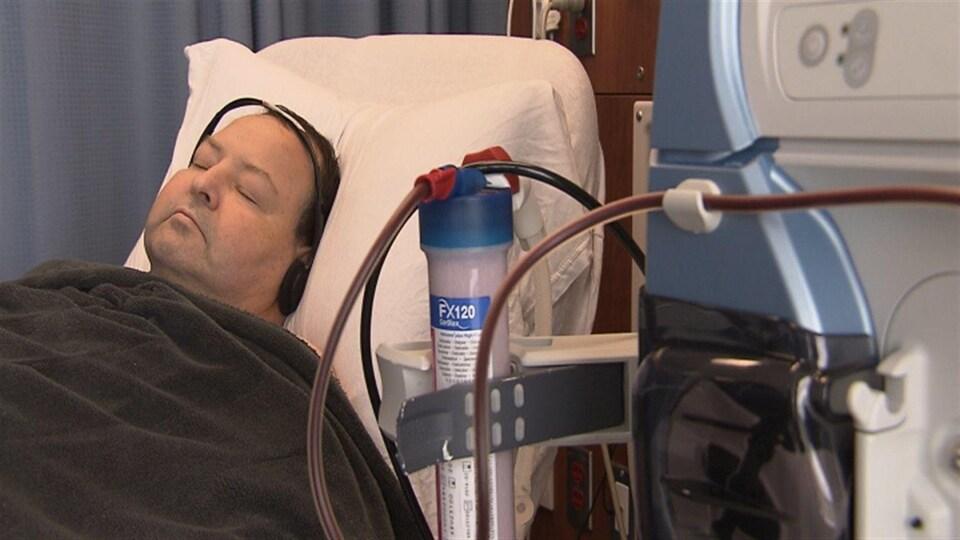 Robert Benoît reçoit ses traitements d'hémodialyse à l'hôpital de Chandler