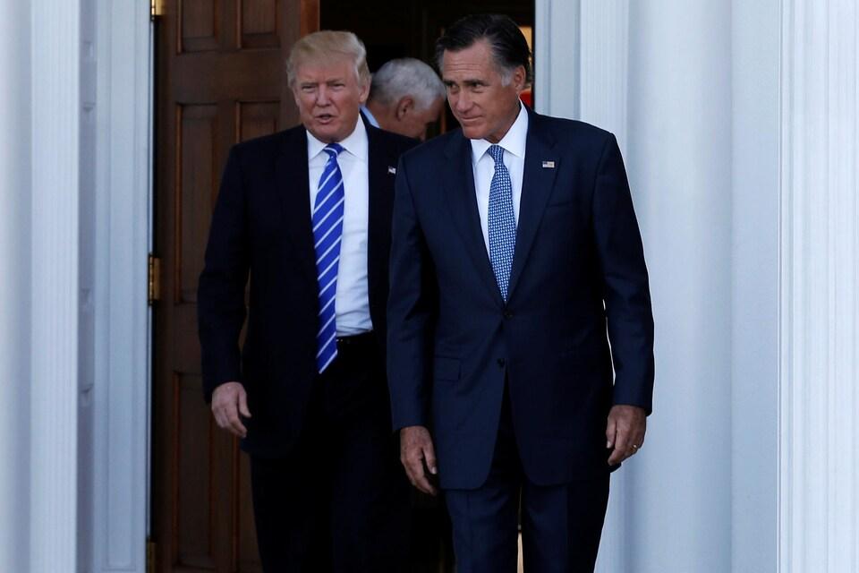 Le président américain, Donald Trump, et l'ancien gouverneur du Massachusetts, Mitt Romney, après un entretien en novembre 2016.