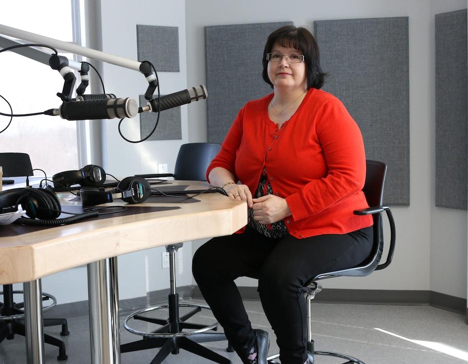 Rose-Aimée Dubé, cheffe de la programmation à la SOCAM, la Société de communication Atikamekw-Montagnais.