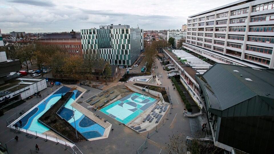 Le Water Square de Rotterdam, conçu pour retenir l'eau de pluie et pour revitaliser un quartier défavorisé.