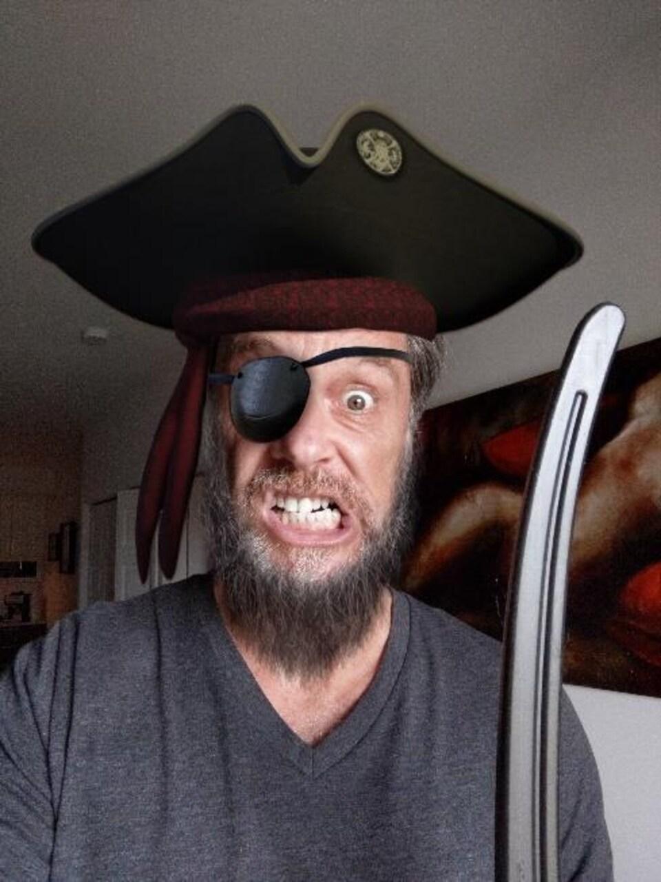 Le 19 septembre, c'est la Journée internationale du Parler Pirate! On démystifie ce langage avec Sacha Laliberté