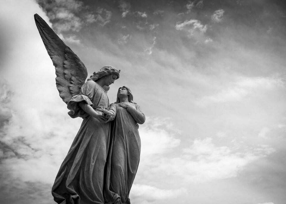 Statut d'un ange reçoit un message d'un humain.