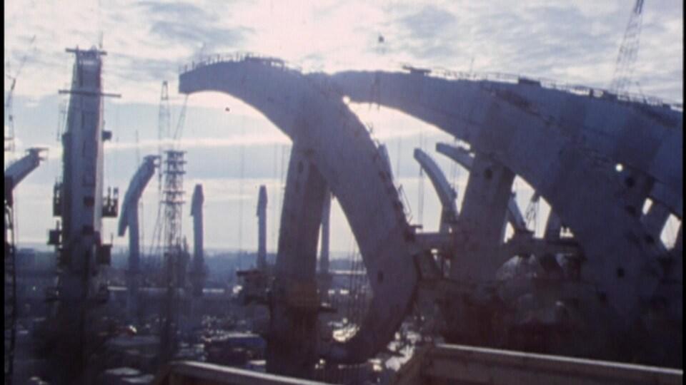 La construction du stade olympique de Montréa