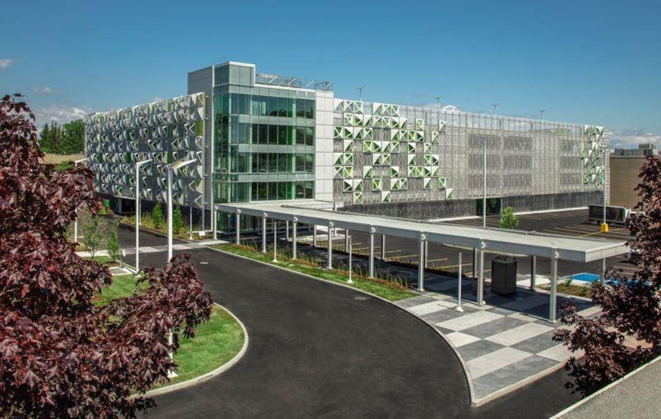 Une image du nouveau stationnement de 1500 cases.