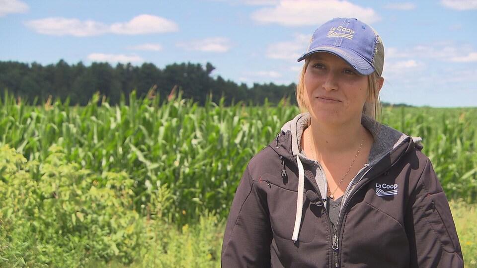 Stéphanie Pétrin est experte-conseil en production végétale à la ferme Lisand.