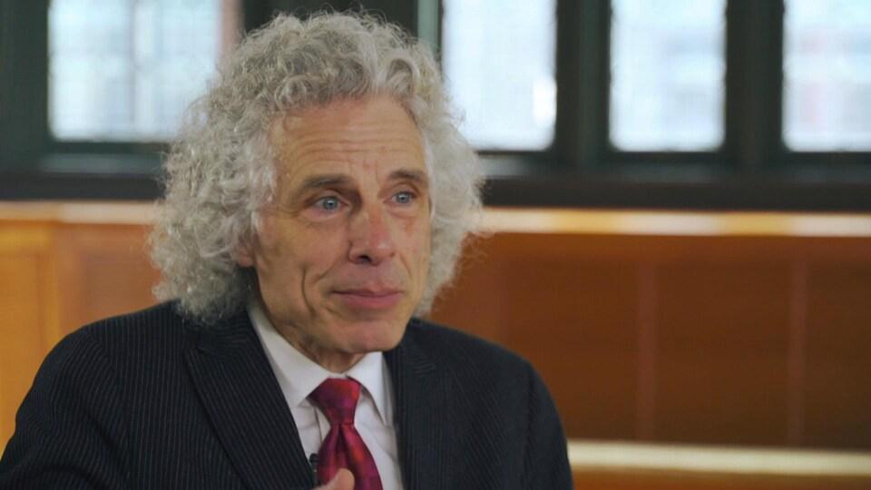 Steven Pinker lors de l'entrevue avec Alain Crevier.