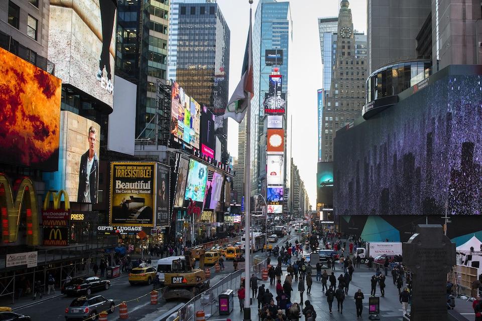 Times Square fait souvent partie des endroits que les visiteurs qui vont à New York tiennent à voir.
