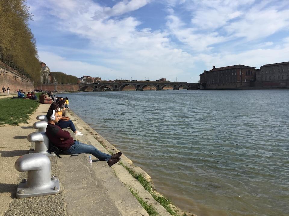 Les bords de la Garonne, à Toulouse