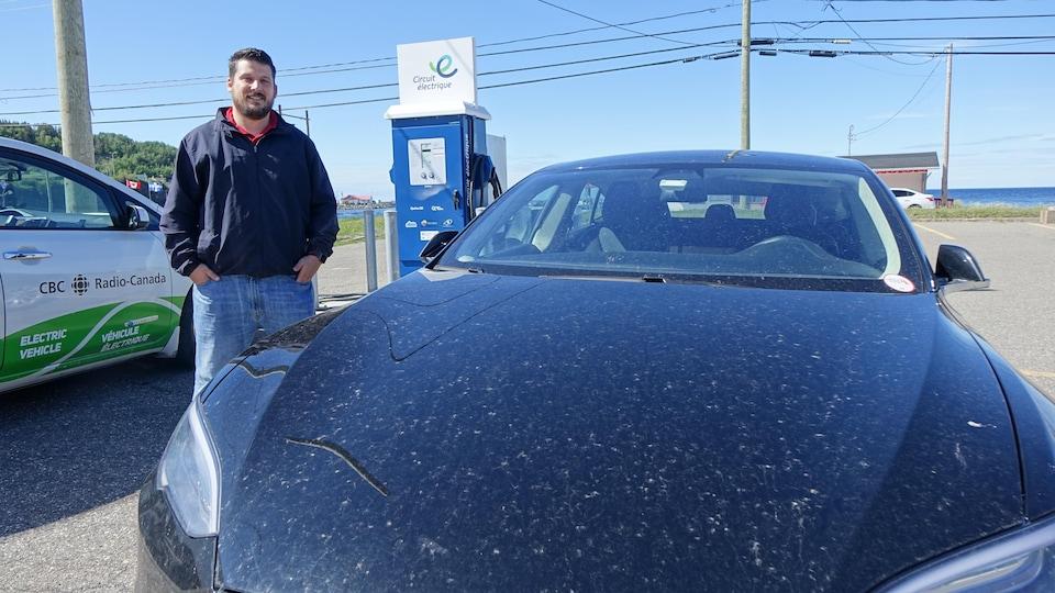 Dany Bergeron, conseiller municipal à Mont-Louis, est celui qui a permis le déploiement de 11 bornes de recharge rapide tout autour de la Gaspésie