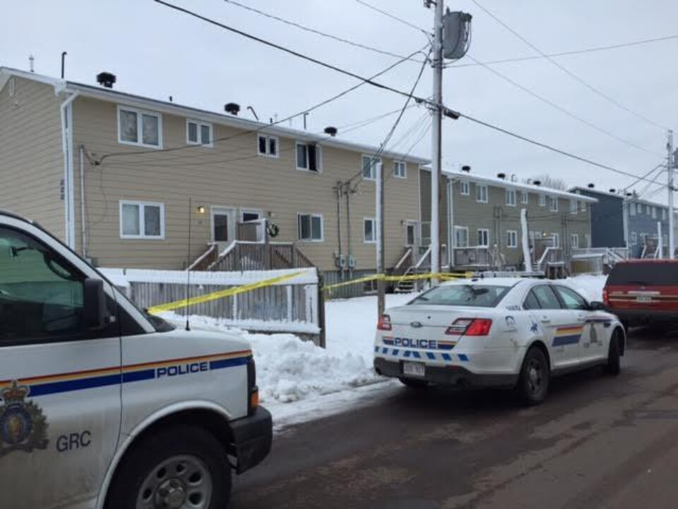 C'est dans ce triplex de Moncton que le meurtre s'est produit.